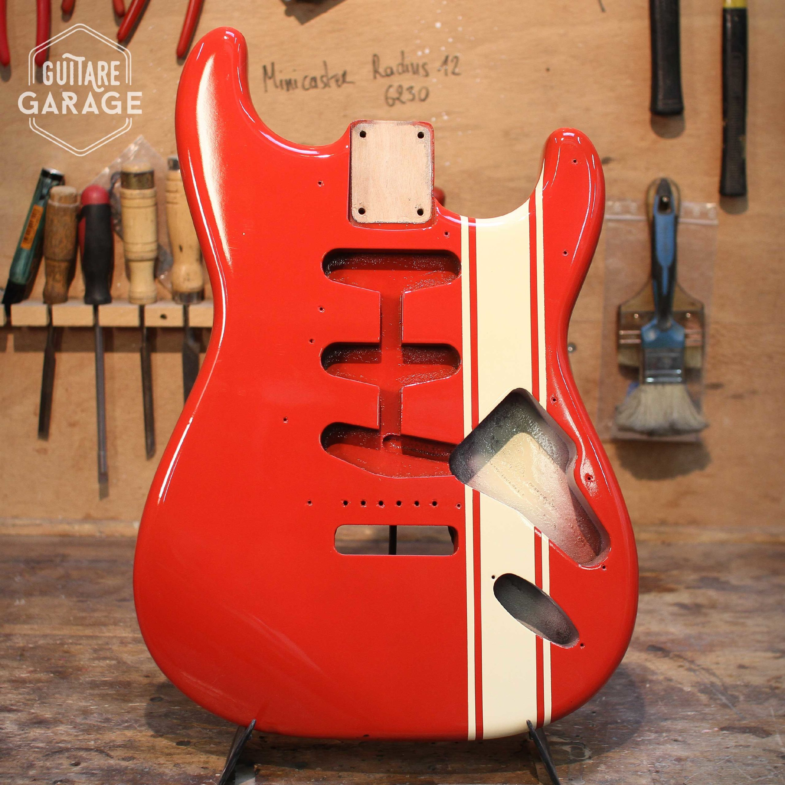 corps stratocaster verni nitro couleur hot rod red racing